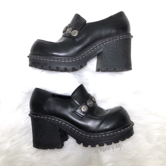 f6ac70204e5c ... Platform Heels Shoes 2000s. M 5b8594759264afbb1f00663d
